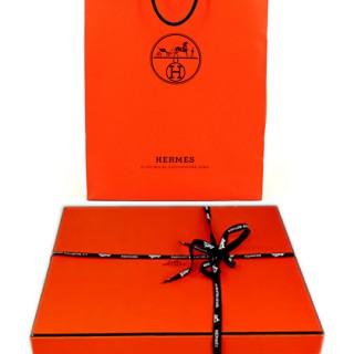 Прилагается фирменная коробка и пакет Hermes - fortureen.jpg