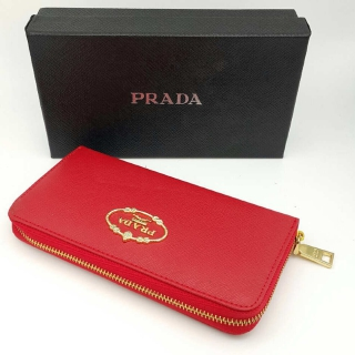 Кошелек Prada -
