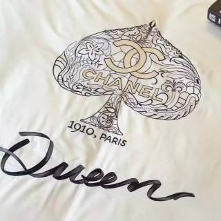 Постельное белье Chanel -