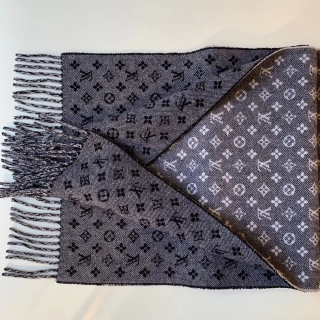 Теплый шарф Louis Vuitton -